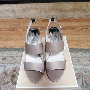 NWOT Michael Kors Rochelle open toe sandals
